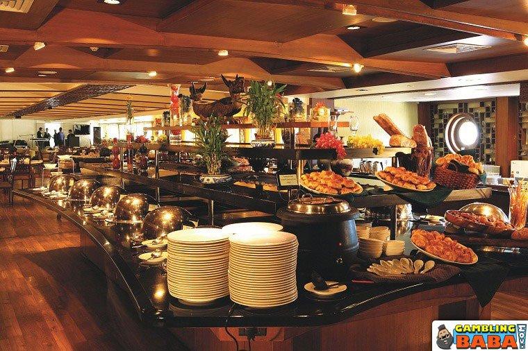 Restoran terapung, Kasino Deltin Royale
